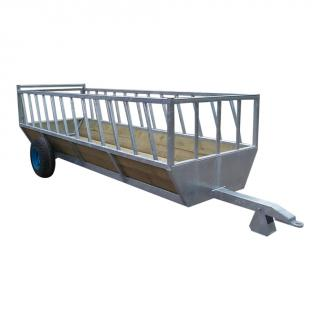 Bateman cattle feed trailer